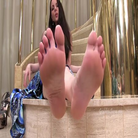 Goddess Alexandra Snow - Foot Worshipper's Dream