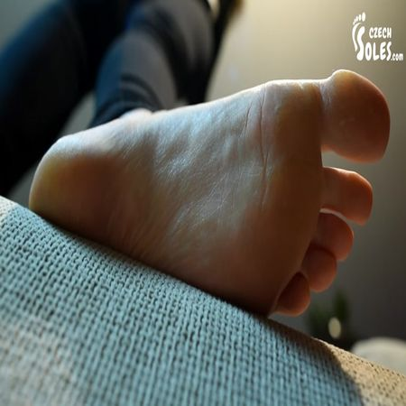 Czech Soles - Giantess Amateur Feet Stomping