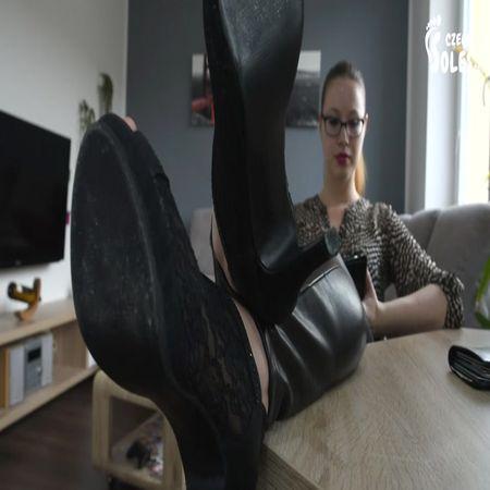 Czech Soles - Mafia's hitgirl came for her ransom money