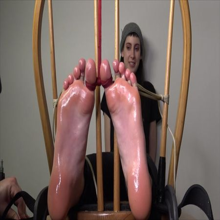 The Tickle Room – 19 Year Old Katinka - Finding The Snorts