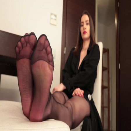 Anastasia – Hottie with black pantyhose and red toenails