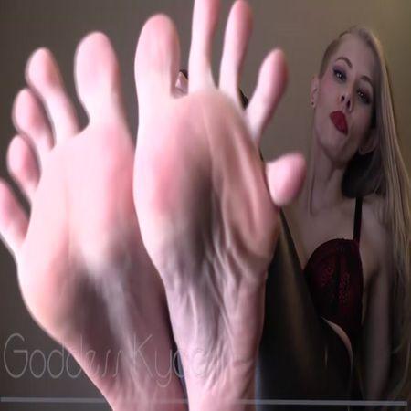 Goddess Kyaa - Eat Cum for My Toes