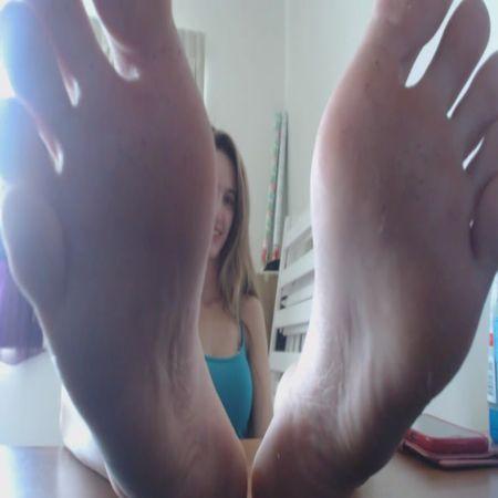 Mistress Chantel – Foot Slaves Reward