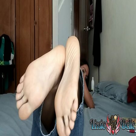 Lissie Belle Worship Your Aunts Feet