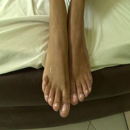 BRAZIL FEET - Mistress Janayna - Janayna's First Foot Domination part 5