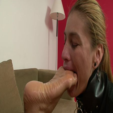 BRAZIL FEET - Mistress Fernanda - Lick Fernanda's Delicious Feet Size 10 part 4