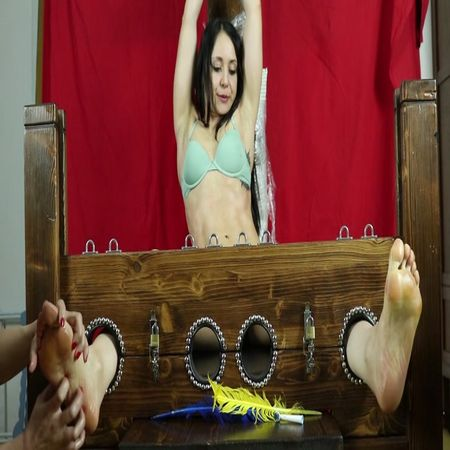 ItaliansTickling – Tickling fitness girl