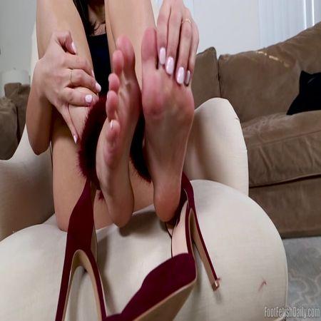 Kendra Spade - Shoe Dangle