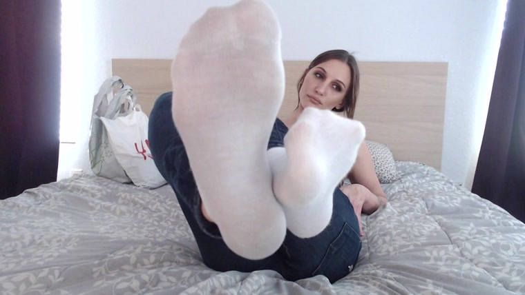 Hot Girls Socks Feet Worship