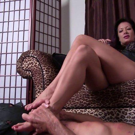 Club Stiletto - Mistress Jasmine - Leather Boot Bitch