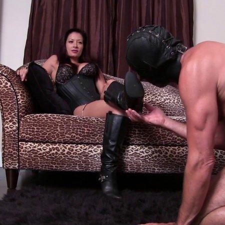 Club Stiletto FemDom - Mistress Jasmine - Leather Boot Bitch