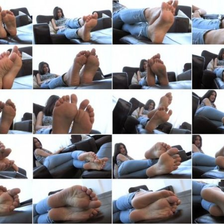 FeetJeans - Sexy Girl With Small Feet