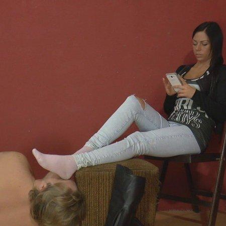 Mistress Jenna Sadurnus - I take off my boot