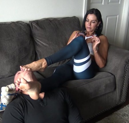 Goddess Zephy – your face = My Foot Rest
