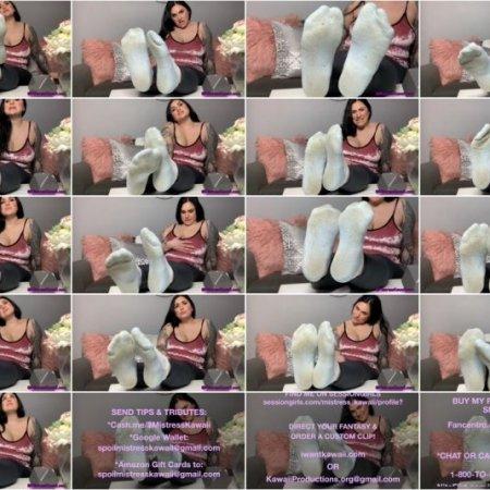 Goddess Kawaii - worship my stinky gym socks