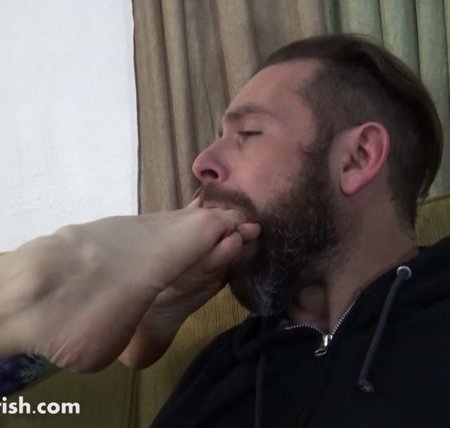Terra Mizu stinky foot worship