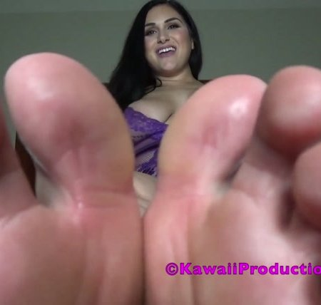 Goddess Kawaii - jerk to my sweaty feet