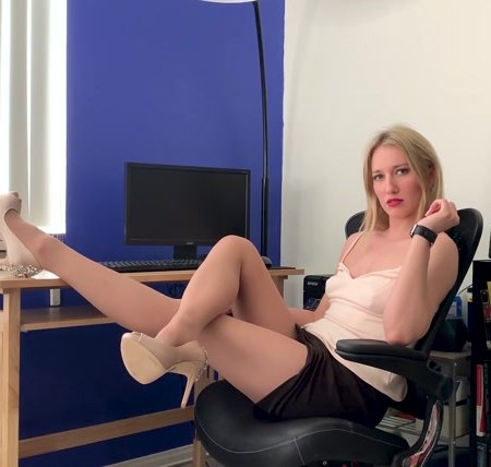RileyReyXXX - Pantyhose Creep