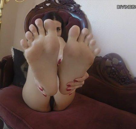Goddess Idelsy - French Pedicure Custom