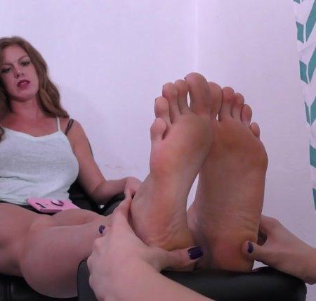 Terras Temptations - Ivy Secret - Ticklish foot massage