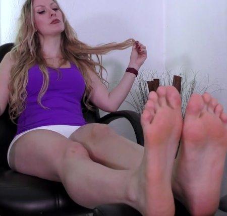 Terras Temptations - Sydney Paige - Ticklish foot massage
