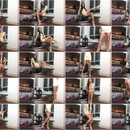 Lindsey Leigh - Spoiled high heeled goddess