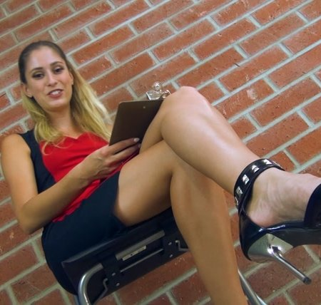 Princess Beverly - Just a foot loser