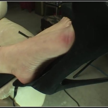 Katalina Smelly Feet