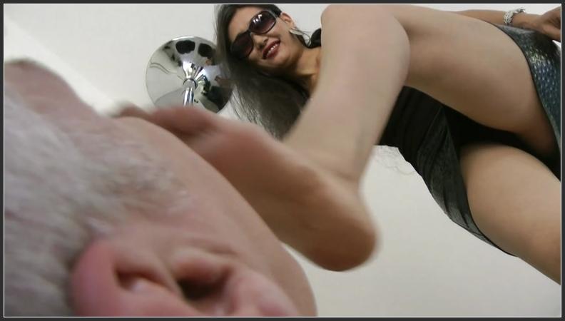 Girlfriend Makes Her Cum