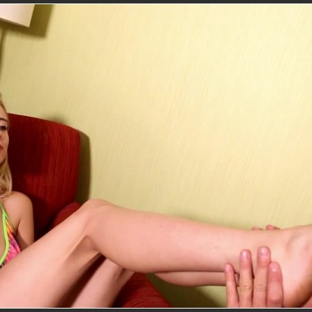 Haley Reed's Big Feet and Long Toes
