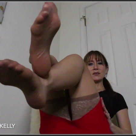 Tatum Kelly - Stinky Pantyhose Feet Domination