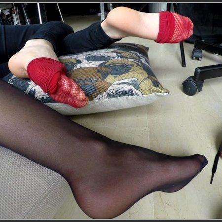 Sleepy Feet (Kelevra, Debora)