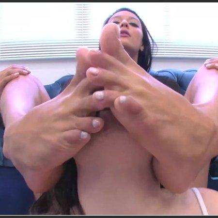 Sucking my feet and give me pleasure! (Newmfx)