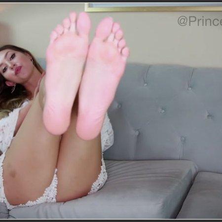 Heavenly Goddess Foot Worship (Princess Lexie)