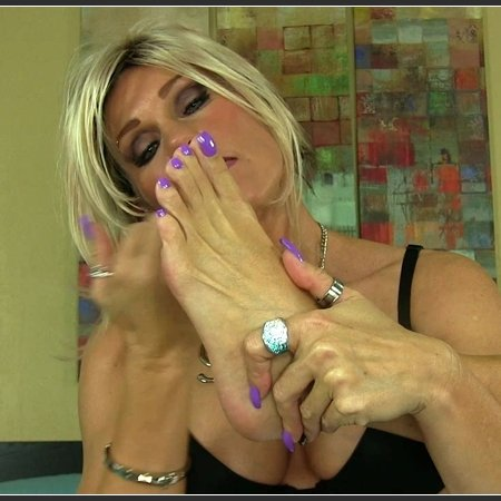 I Love My Tasty Toes (Erotic Nikki)