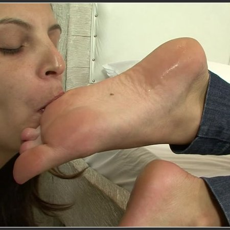 Worship Bruna's Delicious Feet (BRAZIL FEET)