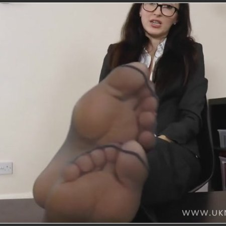 Will Treat Your Nylon Foot Fetish (Dr Sophia)