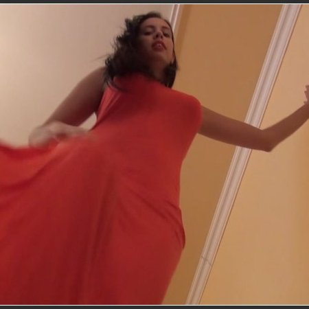 REA - 'Lady In Red' - Tiny Man Under My Feet - Giantess
