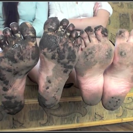 DIRTY SISTERS CLEANING (Polish Mistress)
