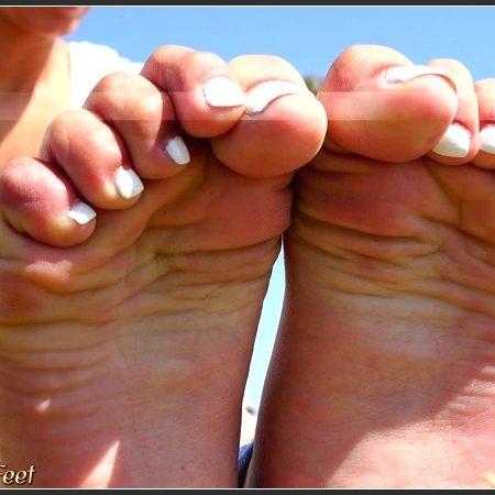 18 year old mexican girls bare feet soles video (California Beach Feet)