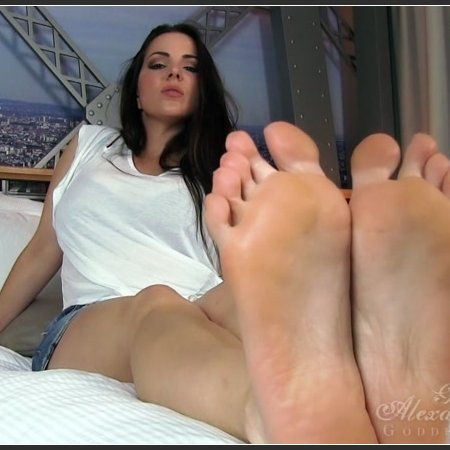 Forced to Lick Feet (Goddess Alexandra Snow)