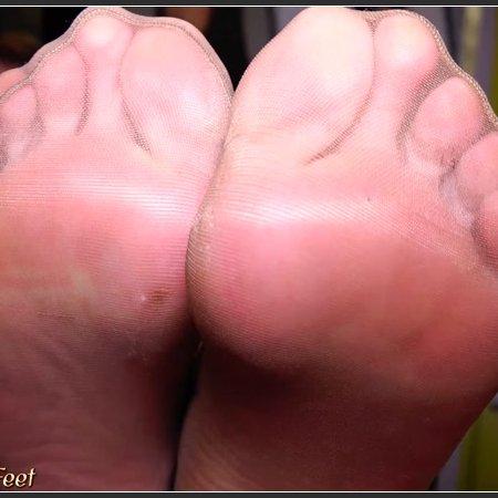 Alexis Grace big size 10 feet (California Beach Feet)