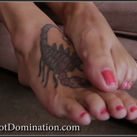 Goddess Brianna - Couple's First Kiss (Goddess Foot Domination)