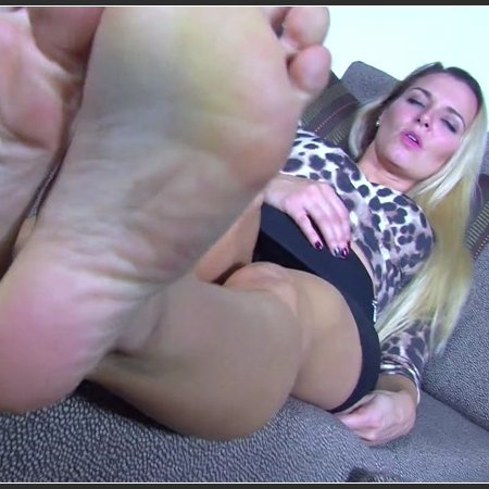 Princess Remi Destroys Your Date with Her Sexy Feet (Humiliatrix)