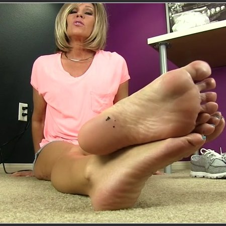Sweaty Stinky Delicious Feet (Erotic Nikki)