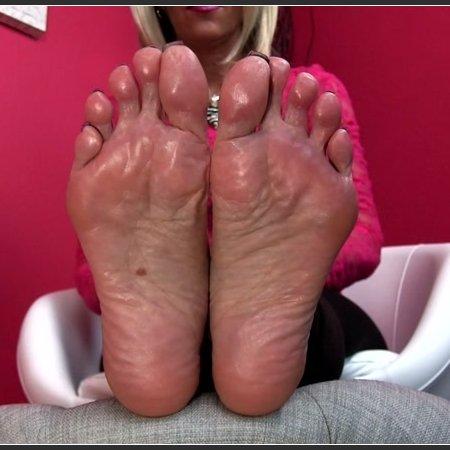 Merciless MILF Feet (Erotic Nikki)