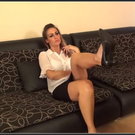 Worship The Shoes Of Your Boss! (Olivia)