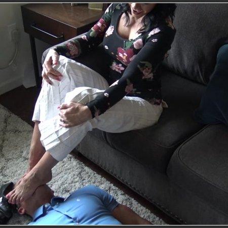 A Slave To Stinky Feet (Goddess Zephy)