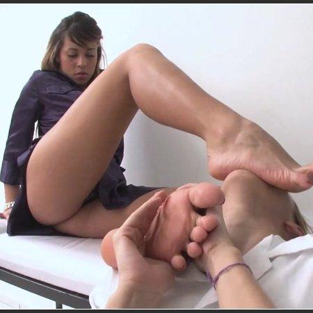 Worshipping Fantastic Lola Mello's Feet (Newmfx)
