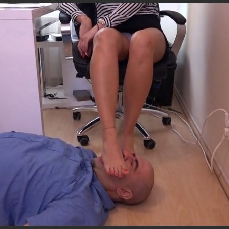Lady Annabella - Foxy Footdom and Trampling - The Loser Of The Office – New Footbitch